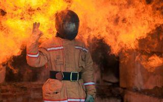 Пожарный без лица. новое лицо для пожарного.